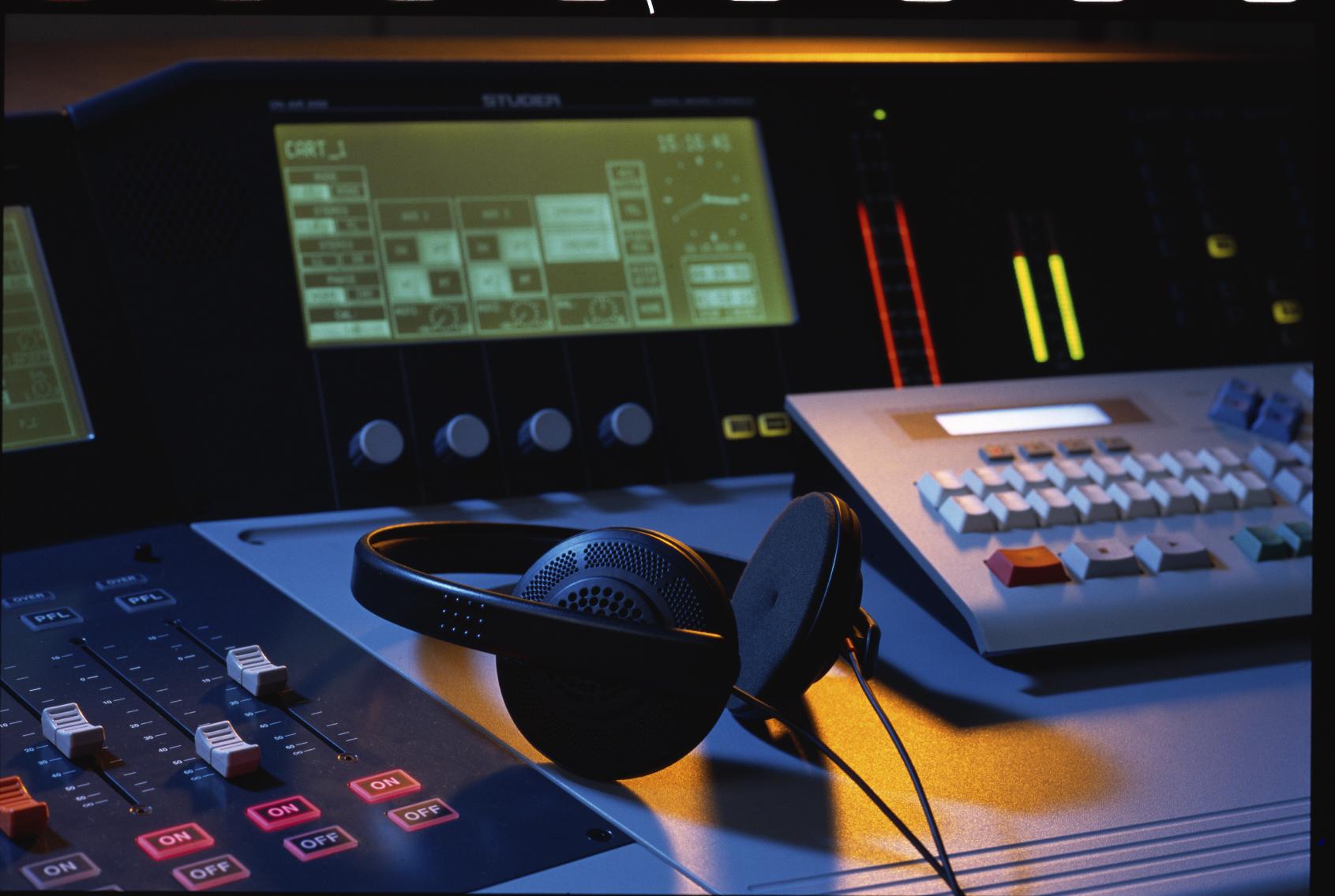radio-station-equip
