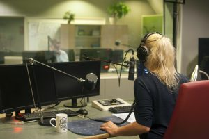 What Characterizes an Outstanding On-Air Broadcaster?​
